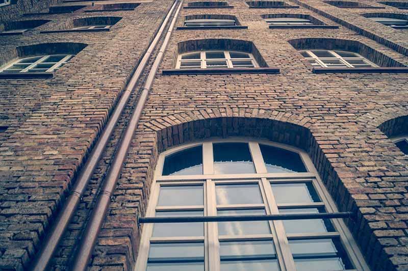 desatascar-bajantes-comunidad-fachada-exterior