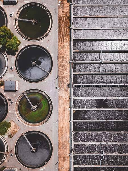 Cómo-se-pueden-aprovechar-las-aguas-residuales-industriales-y-domésticas-planta-de-tratamiento-de-aguas